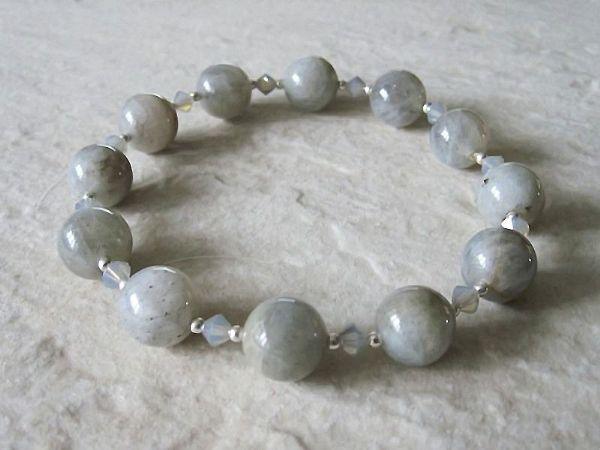 Glowing Grey Labradorite, Swarovski Crystals & Sterling Silver Beaded Stretch Bracelet | Silver Sensations